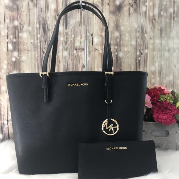 Michael Kors Handbags - New MK 2pc bundle. Med jet set tote and wallet